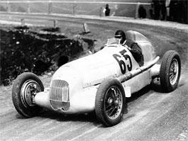 Pod lupou - Stříbrné šípy Mercedes-Benz v předválečné éře: titulní fotka