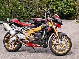 Aprilia a Moto Guzzi den - Kořenovem střílely výfuky: titulní fotka