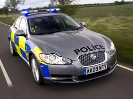 Gentlemanské pokuty: Jaguar XF ve službách ostrovní policie: titulní fotka