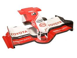 Toyota: prodáme díly z formule ; zn.: levně!: titulní fotka