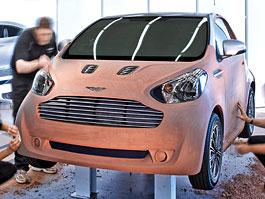 Šok: Logo Aston Martinu ponese miniauto od Toyoty!: titulní fotka