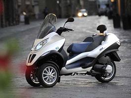 Piaggio MP3 Hybrid - tříkolka s elektromotorem: titulní fotka