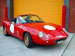 Retroforza Italia: Ferrari z Mazdy MX-5: titulní fotka