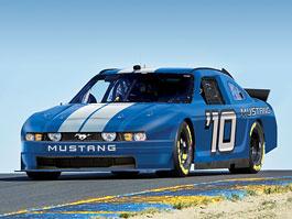 Ford Mustang: poník bude jezdit NASCAR: titulní fotka