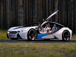 BMW Vision EfficientDynamics: výkon M3, spotřeba priusu: titulní fotka