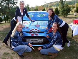 Missky za volantem Fordu Fiesta: titulní fotka