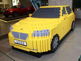 BMW X1: jedno velké auto z moře malých kostiček...: titulní fotka