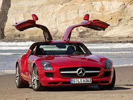 Mercedes SLS AMG: nové fotky a podobnější pohled do ceníku: titulní fotka