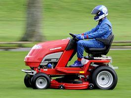 Countax: pracuje se na nejrychlejší sekačce na trávu: titulní fotka