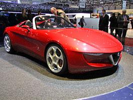 Ženeva 2010: Alfa Romeo 2uettottanta - spider od Pininfariny (nové foto): titulní fotka
