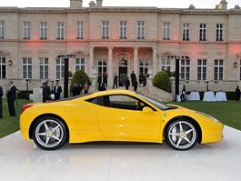 První Ferrari 458 Italia pro USA vydraženo, penízky míří na Haiti: titulní fotka