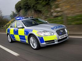 Jaguar XF: Anglická policie má nové stíhací vozy: titulní fotka