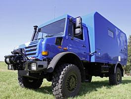 Mercedes-Benz Unimog U 4000 Camper: karavan pro dobrodruhy: titulní fotka