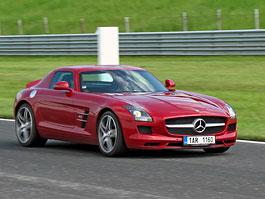 Za volantem: Mercedes-Benz SLS AMG: titulní fotka