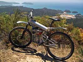 Horské moto-kolo z Nového Zélandu: titulní fotka