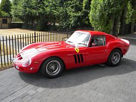Ferrari 250 GTO Evocazione: přesná replika s dobovou technikou: titulní fotka