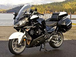Kawasaki 1400GTR v policejním kabátě: titulní fotka