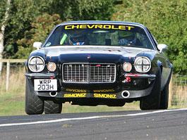 Chevrolet Camaro: setkání generací v Silverstone (video): titulní fotka
