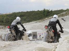 Triumph Adventure 2011 - odhalen další kousek skládačky: titulní fotka