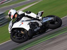 Aprilia RSV4 2011– Facelift a kontrola trakce: titulní fotka