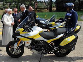 Ducati Multistrada 1200 součástí vatikánské policejní flotily: titulní fotka