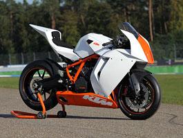 Intermot 2010 – KTM 125 Duke a RC8 R Track: titulní fotka
