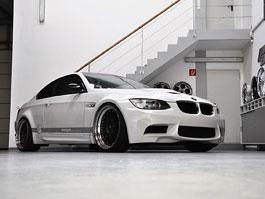 BMW M3 od Prior Design: široce rozkročen: titulní fotka