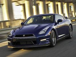 Nissan oficiálně oznámil zrychlení 0-100 km/h pro GT-R 2011: titulní fotka