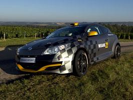 Renault představuje Megane RS v rallyové specifikaci N4: titulní fotka
