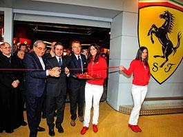 Ferrari otevřelo první Pit Stop obchod - na úpatí sopky: titulní fotka