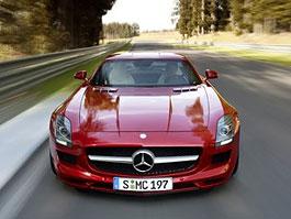 Nejlepší auta roku 2011 podle Playboye: titulní fotka