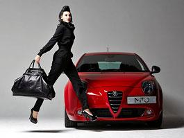Alfa Romeo má tašky, věnované 100. výročí značky: titulní fotka