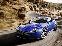 Kalendář na únor: Aston Martin V8 Vantage S a Citroën Survolt: titulní fotka