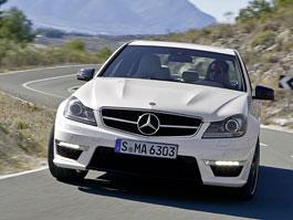 Mercedes-Benz C63 AMG: nejen vyžehlené vrásky (nové foto): titulní fotka