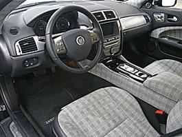 Jaguar XKR 75 by Alcantara: Stylově kostkovaný: titulní fotka