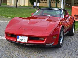 Corvette sraz Praha 2012: velká fotogalerie: titulní fotka