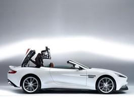Aston Martin Vanquish Volante: Bez střechy do Pebble Beach: titulní fotka