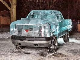 Pick-up z ledu s technikou Chevroletu Silverado: titulní fotka