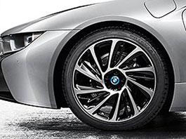 BMW začne do dvou let vyrábět karbonové ráfky: titulní fotka