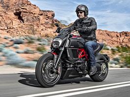 Ducati Diavel 2015 není cruiser!: titulní fotka