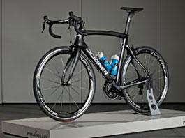 Jaguar vyvinul závodní bicykl Dogma F8: titulní fotka