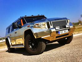 Opulentní zlaté SUV Dartz Prombron z filmu Diktátor je na prodej: titulní fotka