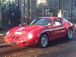 Replika Ferrari 250 GTO šla do dražby, stojí 420.000 Kč: titulní fotka