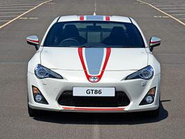 Toyota GT86 Blanco: Bílá perleť  a závodní pruhy pro Albion: titulní fotka