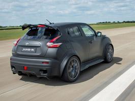 Nissan Juke-R 2.0 vznikne v limitované sérii (+video): titulní fotka