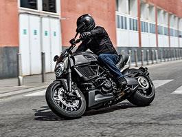 Ducati Diavel Carbon Edition: Vítejte v pekle: titulní fotka