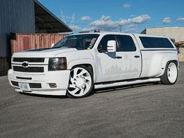 Chevrolet Silverado: Bílá velryba na šílených kolech Forgiato: titulní fotka