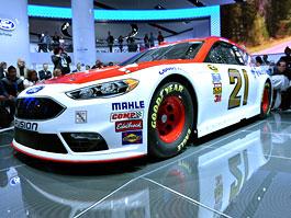 Ford zmodernizoval Fusion i pro NASCAR: titulní fotka