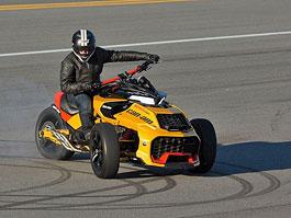 Can-Am Spyder F3 Turbo: Splašená tříkolka (+video): titulní fotka