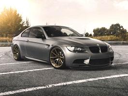 BMW M3 E92 ozdobené koly od Brixton Forged Wheels: titulní fotka